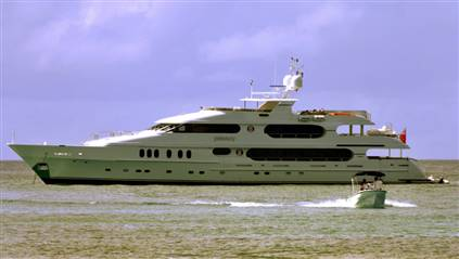 Privacy Tiger Woods' yacht